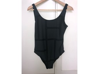 18128175b10b Toteme Kläder ᐈ Köp Kläder online på Tradera • 52 annonser