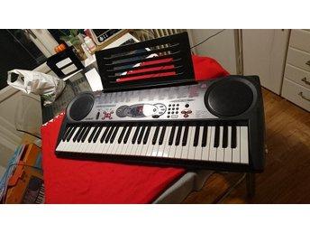 keyboard Yamaha Casio LK35 i jätte bra skick (passa på) - Farsta - keyboard Yamaha Casio LK35 i jätte bra skick (passa på) - Farsta