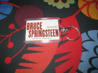 "BRUCE "" BOSSEN "" SPRINGSTEEN:: MAGIC TOUR NYCKELRING"