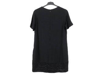 Svart t shirt klänning från Mango, strl M (395105718) ᐈ