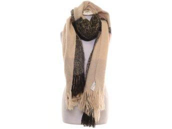 Halsdukar ᐈ Köp Halsdukar online på Tradera • 2 313 annonser 8e70631ddbbc5