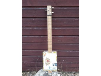 Cigar box guitar (cigarrboxgitarr)