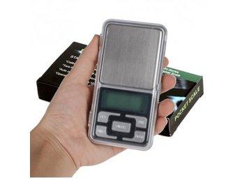Javascript är inaktiverat. - Vällingby - En perfekt liten portabel våg som får plats i bakfickan med uppfällbart lock. Bra att använda till små saker som smycken och kryddor. Specifikationer: Enheter: g / tl / oz / ct Automatisk avstängning: 30 sekunder Bagrundsbelysning: Blå - Vällingby