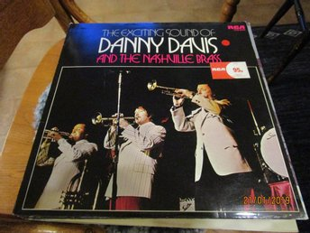 THE EXCITING SOUND OF DANNY DAVIS AND THE NASHVILLE BRASS - LP