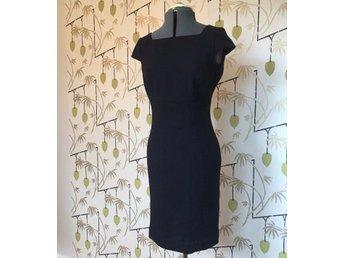 Fantastisk klänning fodralklänning ull högtid v.. (419731295