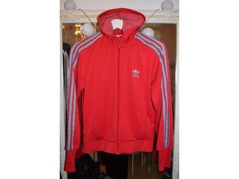Adidas huvtröja, S - östersund - Adidas huvtröjaFint skickStorlek Small (Står 42 men är mer som small) - östersund