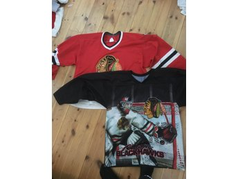 2 Chicago Blackhawks hockey tröjor