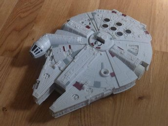 Millenium Falcon - Star Wars VII The Force Awakens (ca 27cm lång) - Täby - Millenium Falcon - Star Wars VII The Force Awakens (ca 27cm lång) - Täby