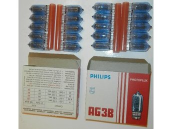 2 x 10 Philips Photflux AG3B Flash Bulbs Condition-NEW!