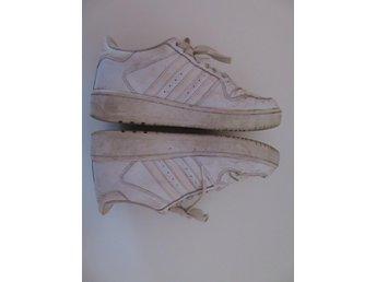 Adidas Sneakers Vita Storlek 38 f1681b2886b82