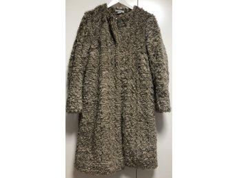 skönhet konkurrenskraftigt pris bästa grossist Beige fuskpäls kappa från H&M, Strl: 40 (377991330) ᐈ Köp på Tradera