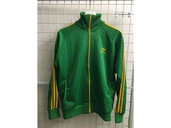 Adidas Tracksuit Grön med gula stripes Storlek Large - Täby - Adidas Tracksuit Grön med gula stripes Storlek Large - Täby