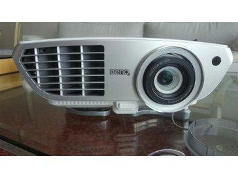 """HD- och 3D-projektor med 90"""" duk - Eskilstuna - HD- och 3D-projektor med 90"""" duk - Eskilstuna"""