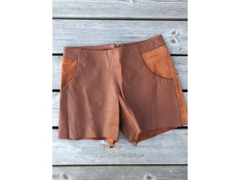 House of Dagmar Läder Shorts, Bruna, Storlek 34, Orginal Pris: 3000 kr