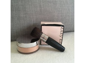 Mary Kay, mineral powder foundation, beige 0.5, datum 11/16