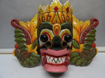 TRÄ MASK SRI LANKA