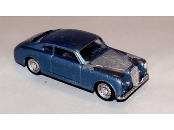 Brumm coupe toy car 1/43 collectible