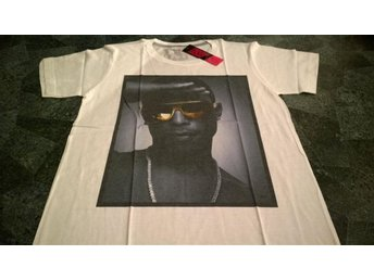 T-shirt. Vit. Draw Uncut. Pharrell Williams. Large - Solna - T-shirt. Vit. Draw Uncut. Pharrell Williams. Large - Solna