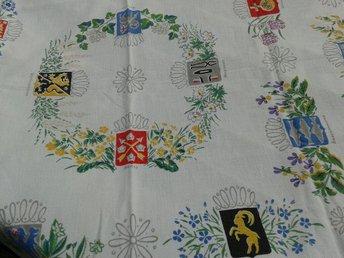 DUK. Äldre. Sveriges Landskap. 83 x 83 cm. - Landvetter - DUK. Äldre. Sveriges Landskap. 83 x 83 cm. - Landvetter