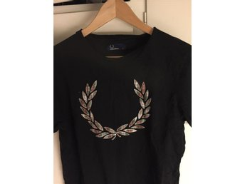 Äkta Fred Perry Tshirt Medium