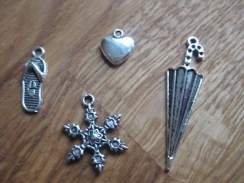 Hobby - Scrapbooking - Metall Dekorationer Charms - 4 st - Nr 4