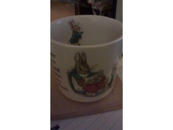 En Peter Rabbit mugg, Beatrix Potter design, Wedgwood