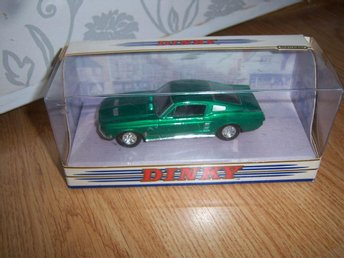 Dinky Ford Mustang Med Ask
