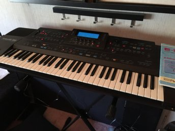 Roland E-96 intelligent keyboard