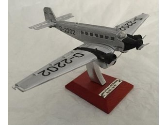 Atlas Editions Lufthansa Series - Junkers Ju-52 - 1/200 scale - nice!
