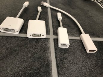 Thunderbolt adaptrar till MacBook Pro/air mfl