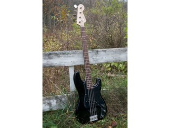 Squier by Fender P-bass, elbas