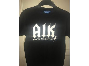 AIK T-SHIRT: BACK IN BLACK -SMALL