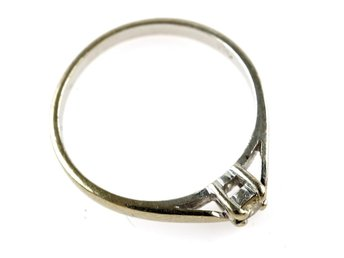 RING, 18K, Ø 16,81mm, 2,12g, 0,08ct, b: 1,9-3,5mm, enstensring, vitguld.