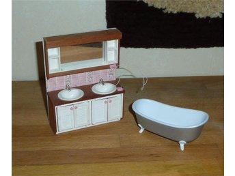 Handfat Toalett : Brio lundby badrumsmöbler badkar toalettstol och handfat med