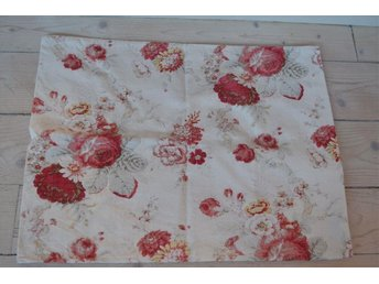 "Två kuddfodral ""Norfolk Rose"" Vintage Collection by Waverly ca 60x45 cm"