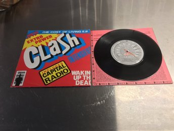 CLASH / THE COST OF LIVING E.P. / I FOUGHT THE LAW + TRE LÅTAR TILL.FRÅN 1979.