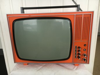 Retro/ vintage  LUXOR.TV..220/ 12 Volt ,kollat med  VHS band / video funkar fint