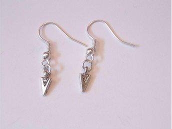 Pil örhängen / Arrow earrings