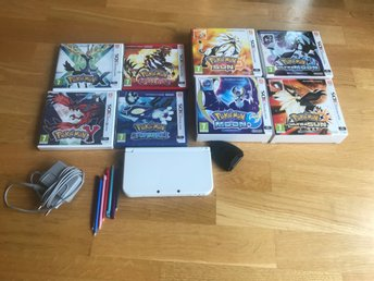 New Nintendo 3DS med 8 Pokemon Spel