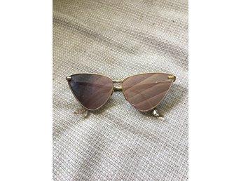 Le Specs Luxe Nero Rose Gold solglasögon - åsa - Le Specs Luxe Nero Rose Gold solglasögon - åsa