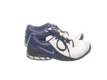 presenter mode nyaste Nike, Tennisskor, Strl: 38.5, Vit/Flerfärgad (378719870) ᐈ Sellpy ...