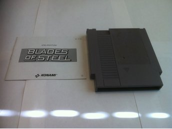 NES: Blades of Steel (Kassett+manual)