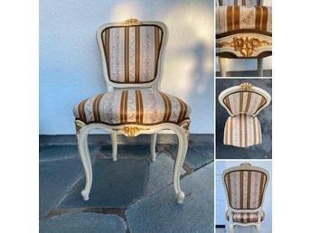 Salongsgrupp (Bord, soffa och tre stolar) i nyr.. (422882535