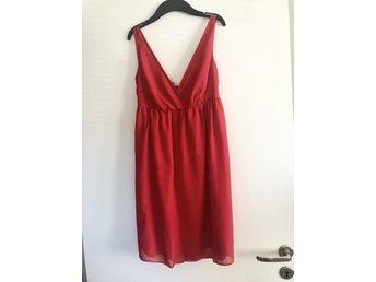 73ceb883a4f Vintage röd sidenklänning / festklänning (342778964) ᐈ Köp på Tradera