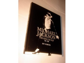 MICHAEL JACKSON  THE KING OF POP   NY INBUNDEN BOK  BILDER