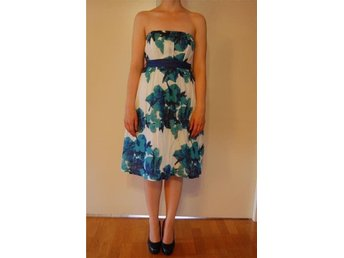 Strapless floral print dress with belt, Vila brand, Size M