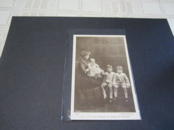 THE CROWN PRINCESS OF SWEDEN AND HER CHILDREN - OLD REAL PHOTO POSTCARD