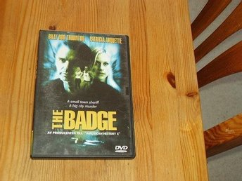 THE BADGE SVENSK TEXT DVD I BRA BEG SKICK