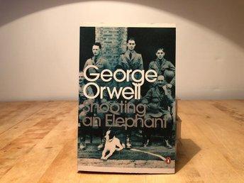 Shooting an Elephant - George Orwell - Penguin modern classics - Segeltorp - Shooting an Elephant - George Orwell - Penguin modern classicsengelsk pocketISBN 978-0-141-18739-6ny oläst bokGenerellt om Skicket:Jag säljer mycket olika media och har inte tid att lyssna igenom alla skivor och titta på alla filmer så oft - Segeltorp