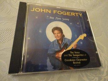 JOHN FOGERTY --BLUE MOON SWAMP - Köping - JOHN FOGERTY --BLUE MOON SWAMP - Köping